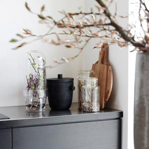 Miniväxthus / Glas klocka med blomsterlåda