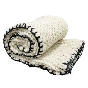 Överkast / pläd chunky knitted XL