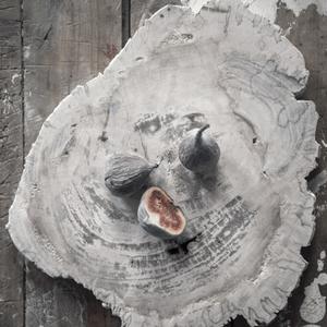 Wood platter, greyish (M) - Love warrior