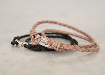 "Armband i läder ""Little Knot"" (natur)"